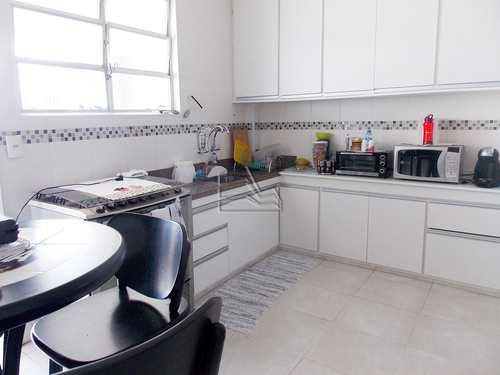 Apartamento, código 1263 em Santos, bairro Embaré