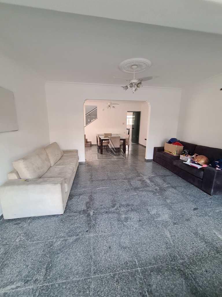 Casa em Santos, no bairro Campo Grande