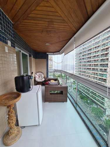 Apartamento, código 1497 em Santos, bairro Embaré