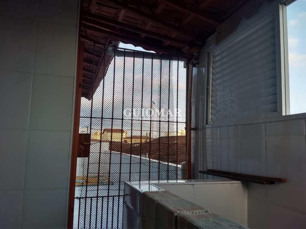 Sobrado em Praia Grande, no bairro Caiçara
