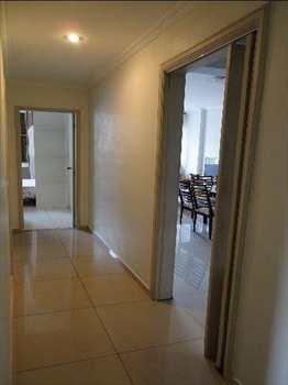 Apartamento, código 6182 em Santos, bairro Boqueirão