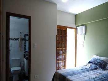 Apartamento, código 4712 em Santos, bairro Campo Grande