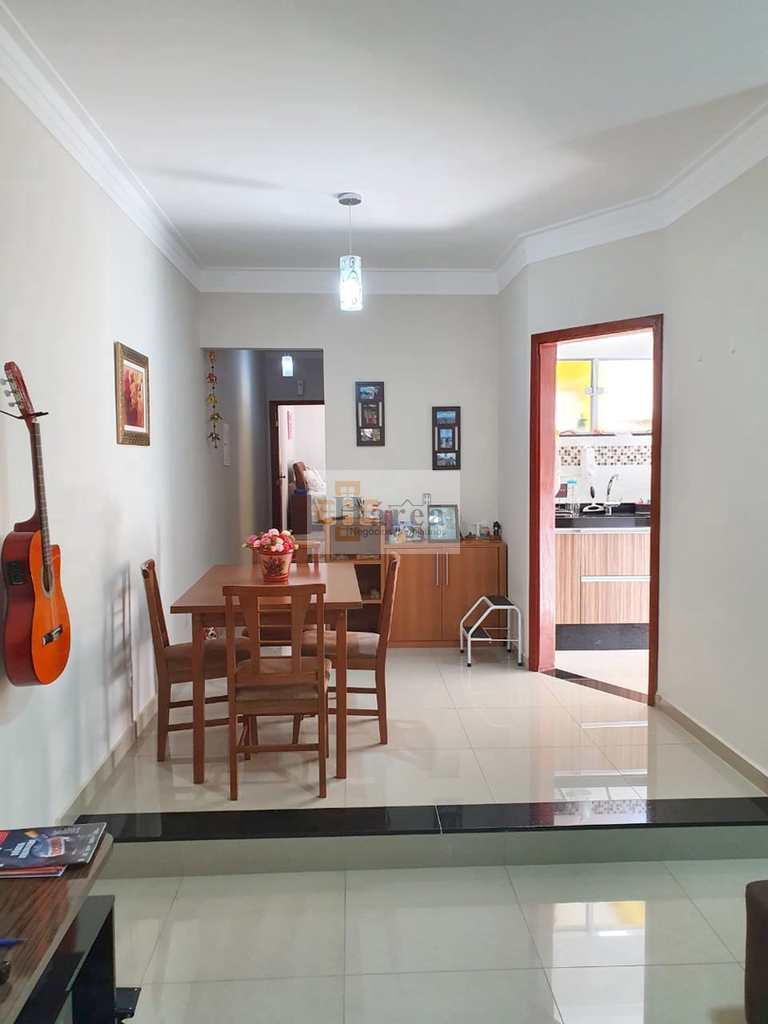 Casa em Sorocaba, no bairro Jardim Saira