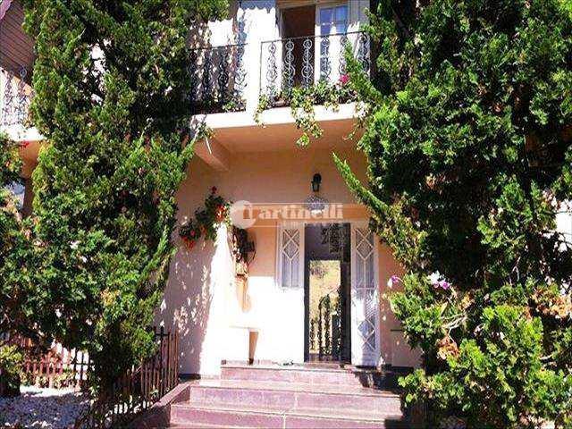 Casa em São Bento do Sapucaí, no bairro Centro