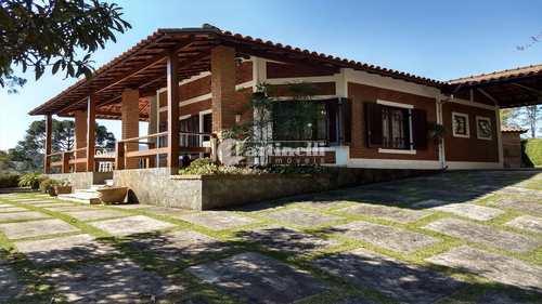 Casa, código 592 em Santo Antônio do Pinhal, bairro Centro
