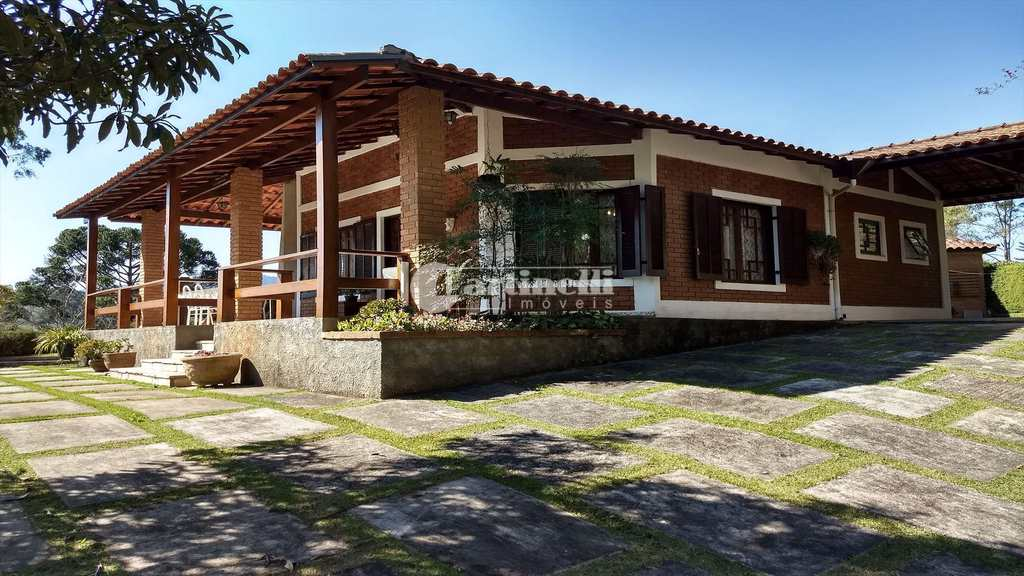 Casa em Santo Antônio do Pinhal, no bairro Centro
