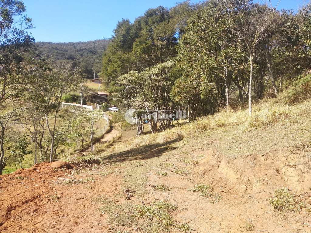 Terreno em Santo Antônio do Pinhal, no bairro Proximo Ao Centro