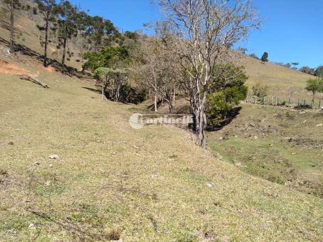Sítio em Santo Antônio do Pinhal, no bairro Lajeado