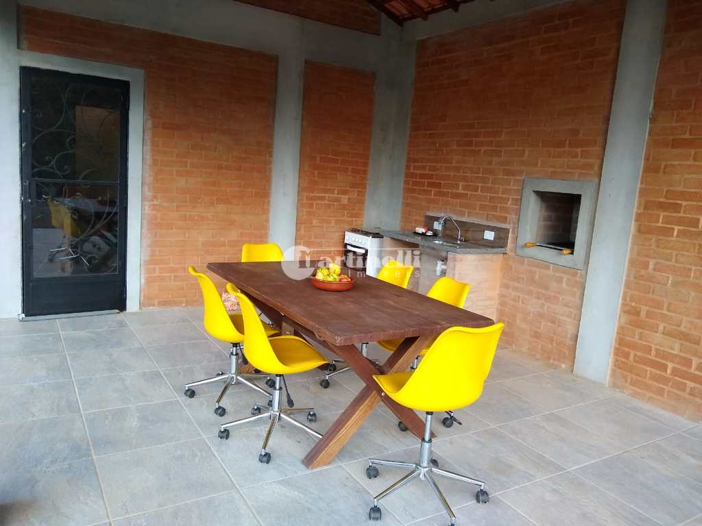 Casa em Santo Antônio do Pinhal, no bairro 10 Km do Centro