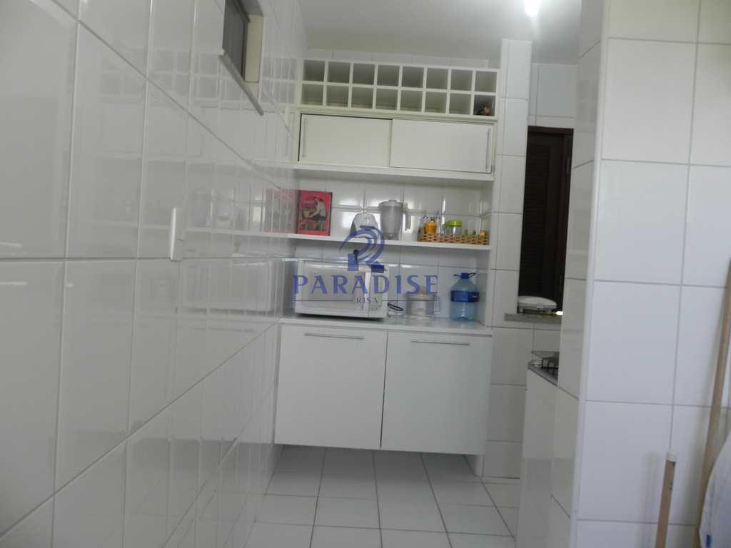 Apartamento em Guarajuba (Camaçari), no bairro Guarajuba