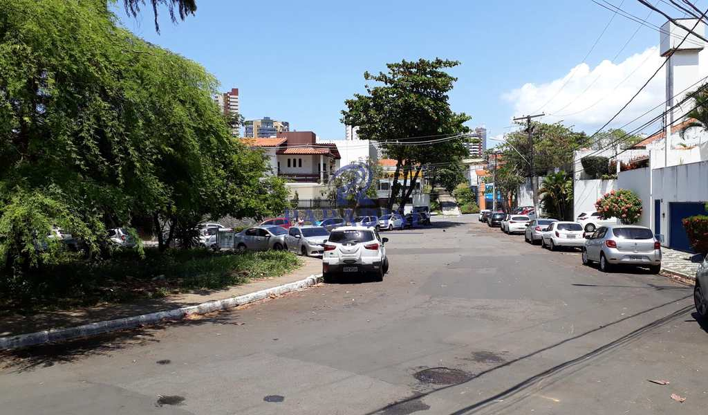 Casa em Salvador, bairro Caminho das Árvores