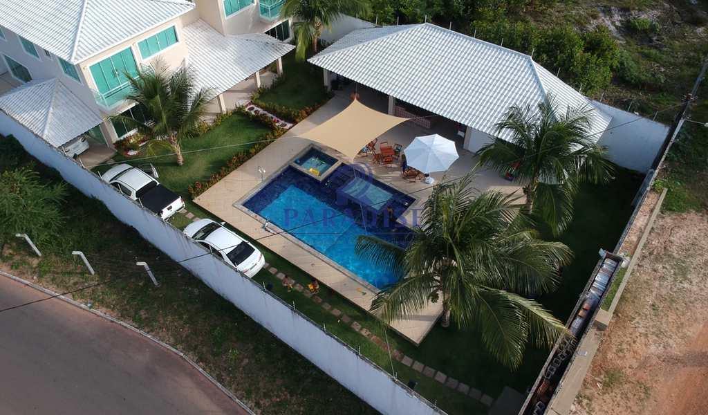Casa em Camaçari, bairro Guarajuba (Monte Gordo)