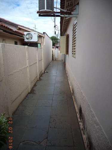 Casa, código 1903 em Jales, bairro Conjunto Habitacional José Antonio Caparroz Bogaz
