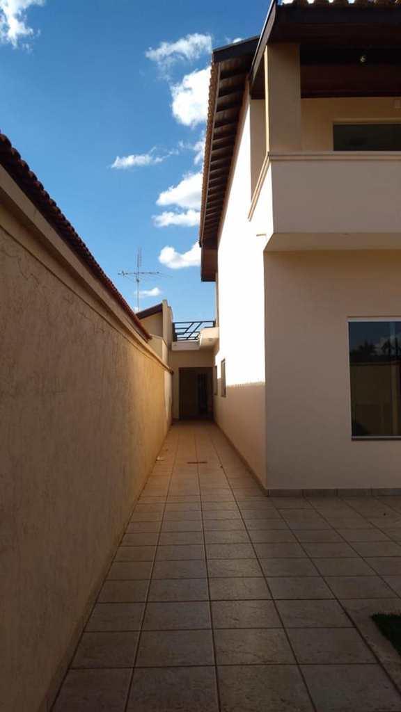 Casa em Jales, no bairro Jardim Aclimação