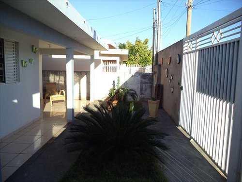 Casa, código 1268 em Jales, bairro Centro