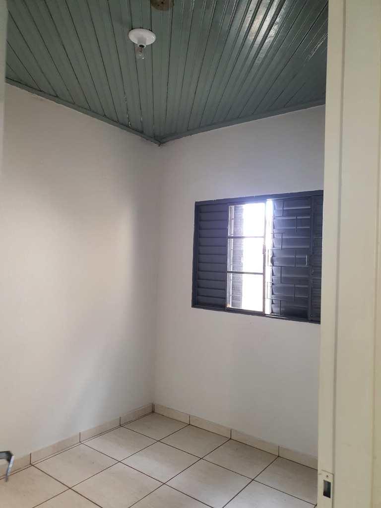 Casa em Jales, no bairro Vila Pinheiro