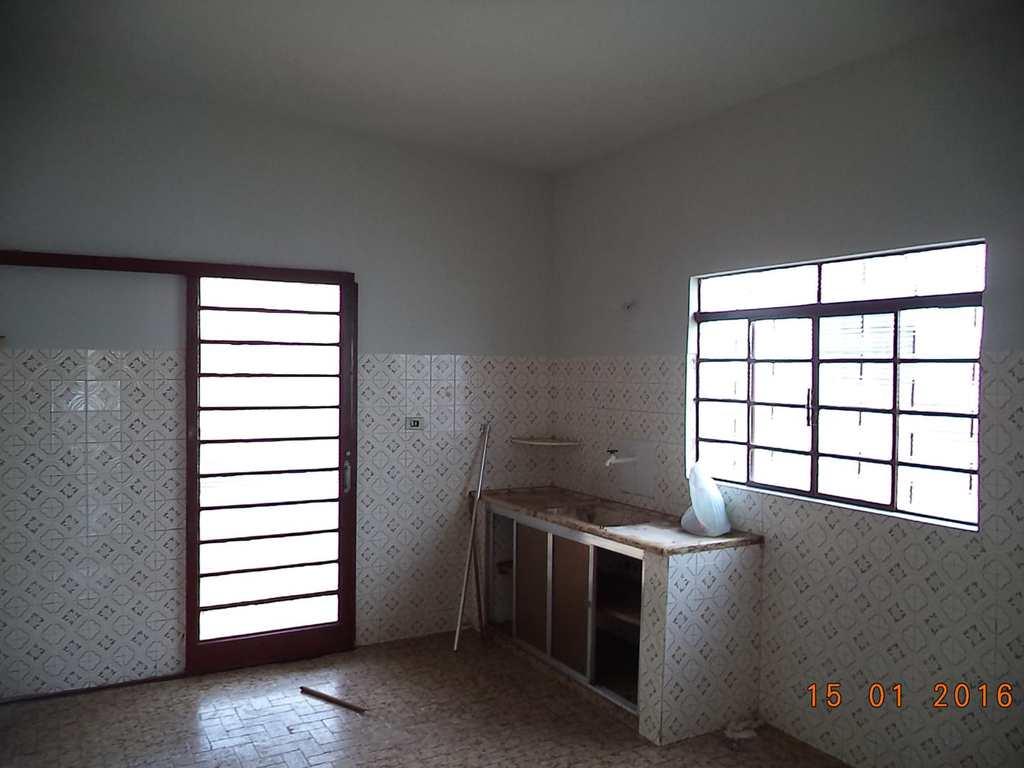 Casa em Jales, no bairro Jardim São Jorge