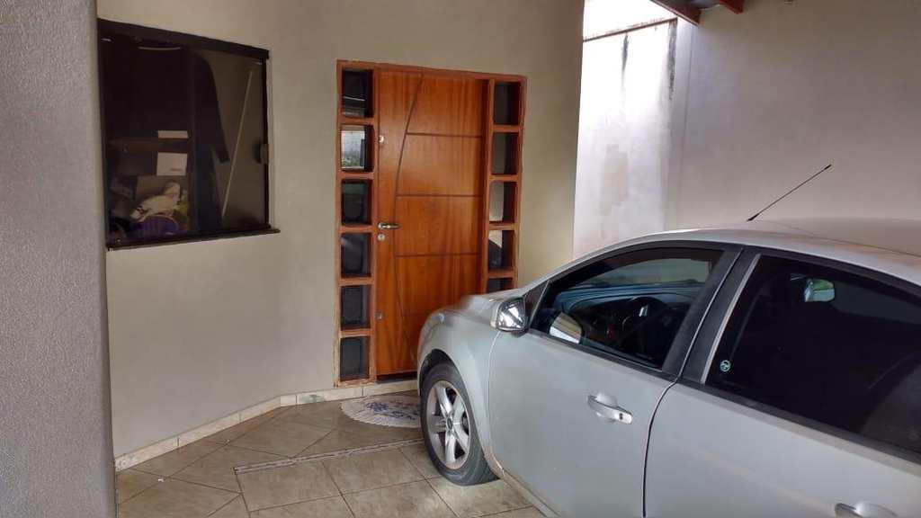 Casa em Jales, no bairro Jardim Pêgolo II
