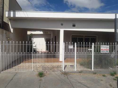 Casa, código 3065 em Jales, bairro Centro