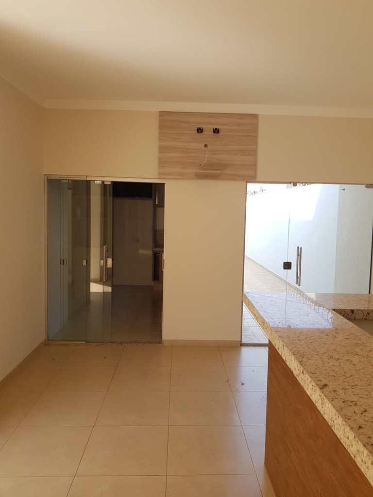 Casa em Jales, no bairro Jardim Pires de Andrade