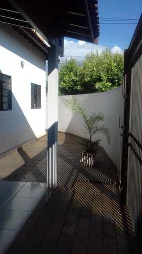 Casa, código 3451 em Jales, bairro Jardim Monterey