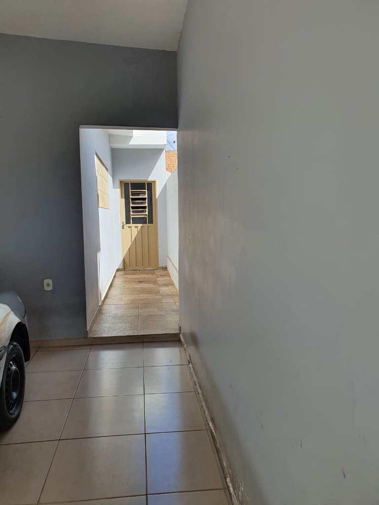 Casa em Jales, no bairro Jardim Romero