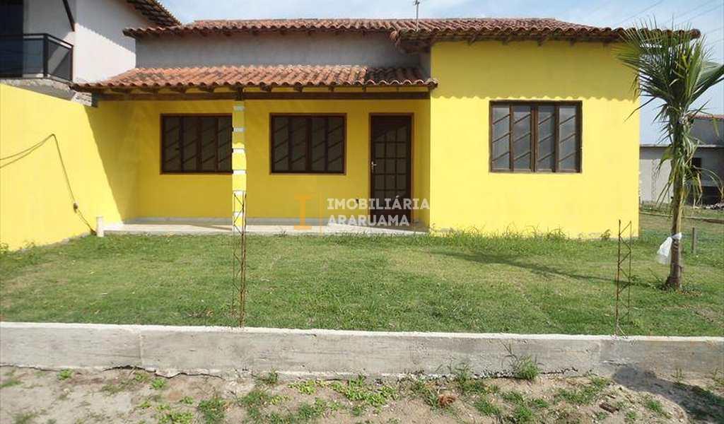 Casa de Condomínio em Araruama, bairro Fazendinha