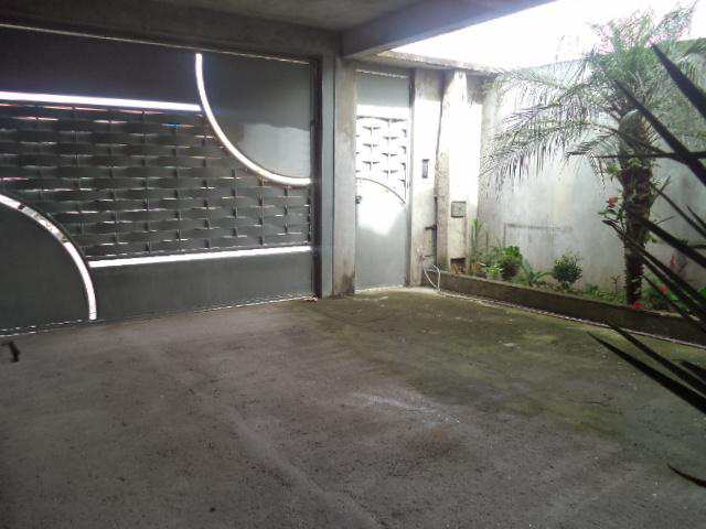 Casa em Suzano, no bairro Jardim Quaresmeira II