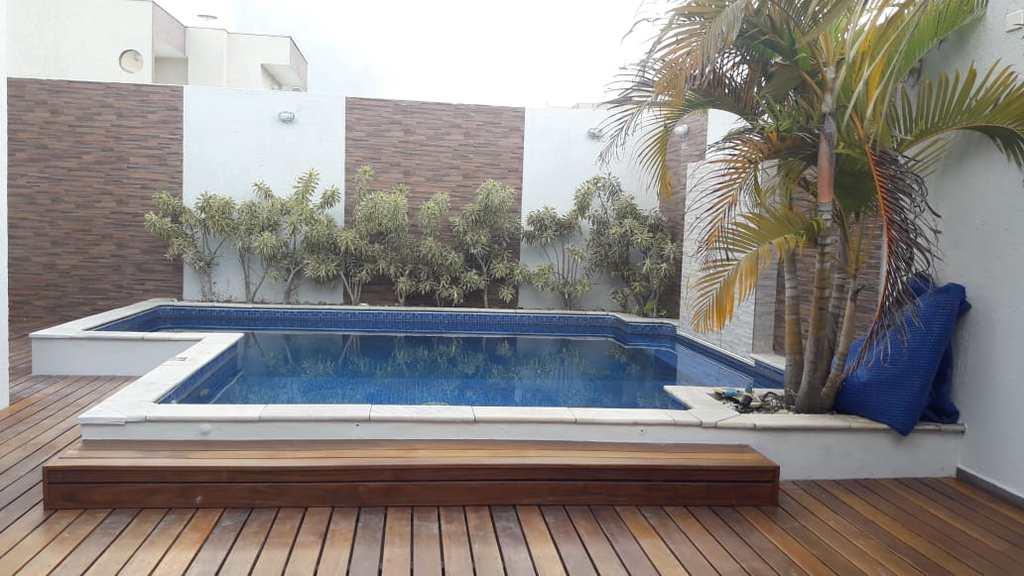 Casa em Mogi das Cruzes, no bairro Cidade Parquelandia