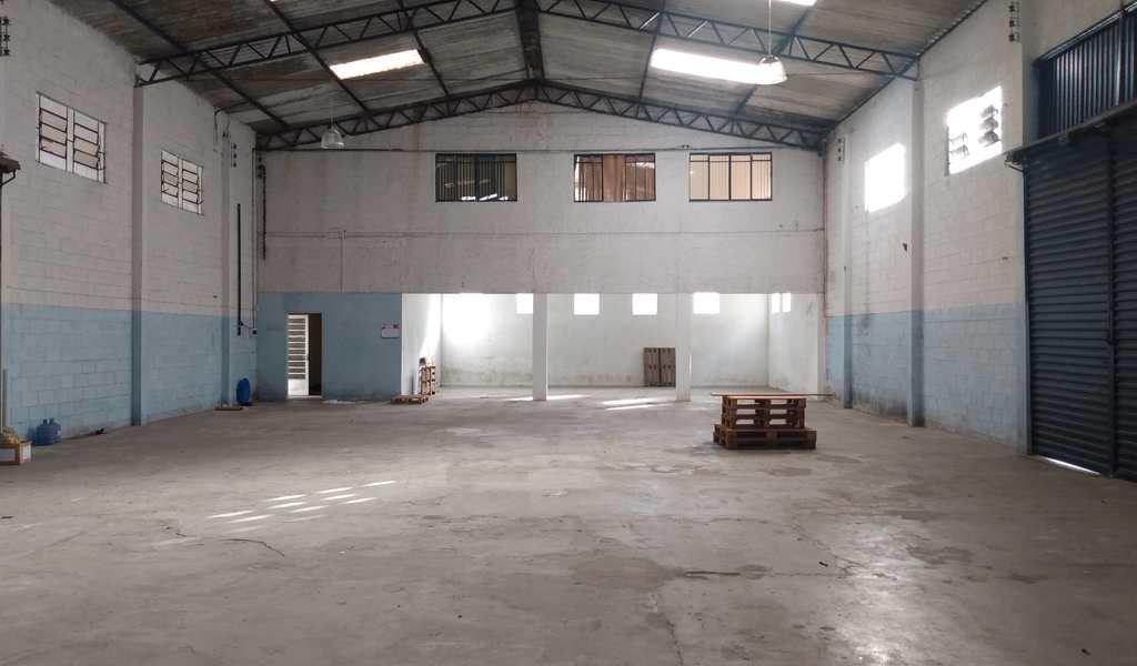 Galpão Industrial em Suzano, bairro Vila Amorim