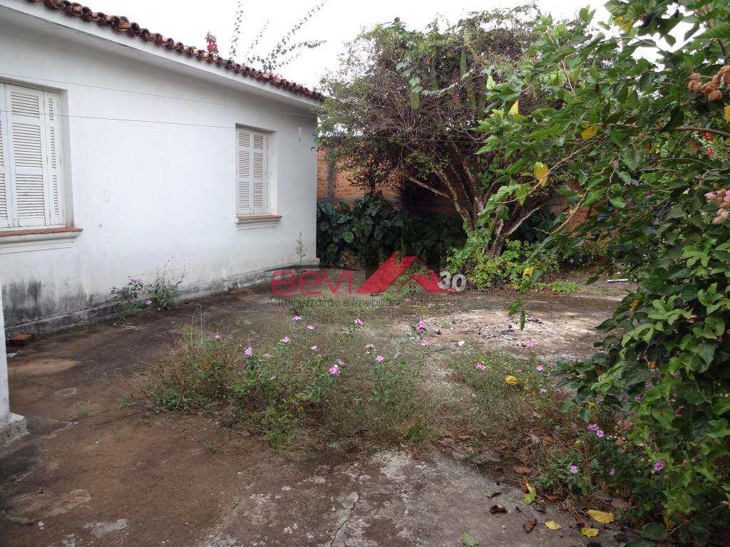 Casa em Piracicaba, no bairro Centro