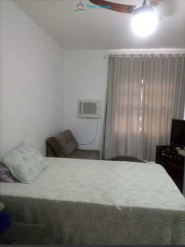 Apartamento, código 9881 em Santos, bairro Aparecida