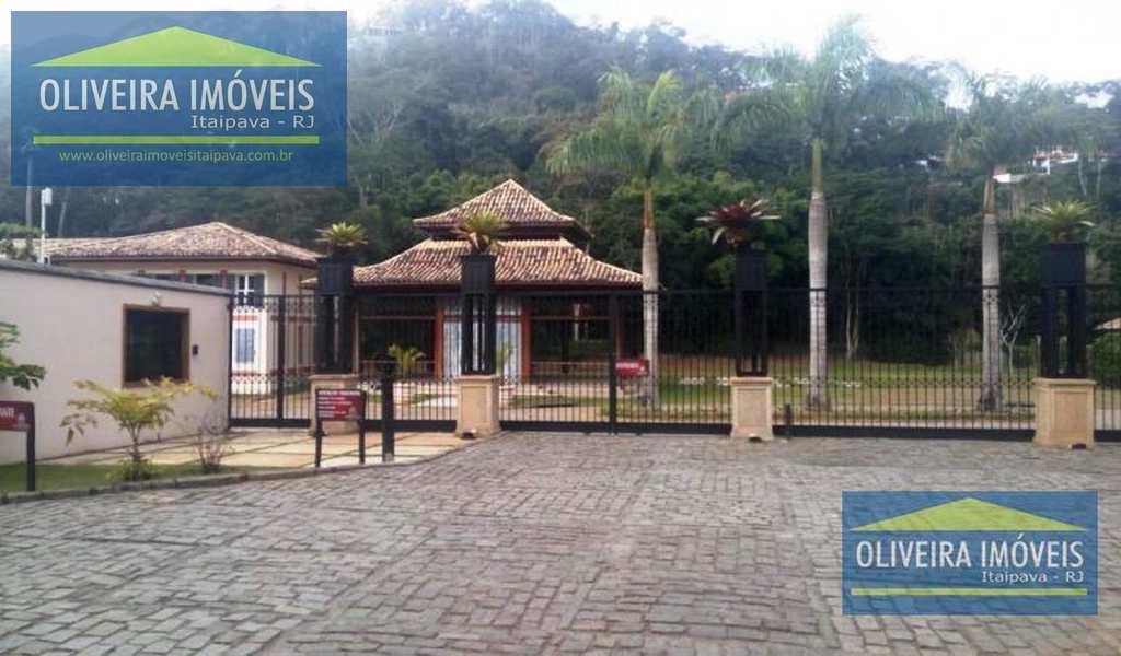 Terreno em Petrópolis, bairro Itaipava