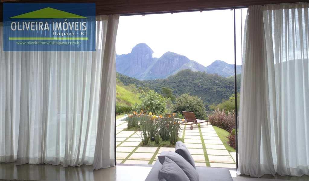 Casa de Condomínio em Petrópolis, bairro Araras