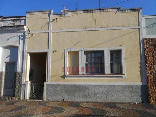 Casa, código 1252 em Amparo, bairro Centro