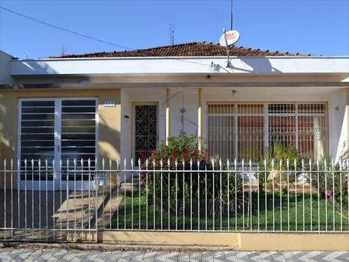 Casa, código 1251 em Amparo, bairro Centro