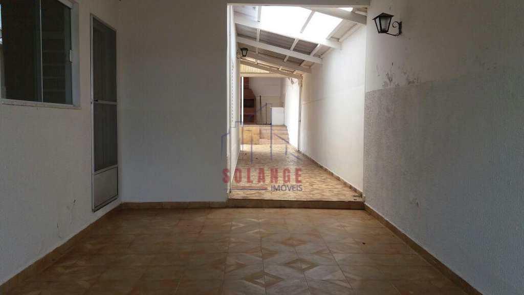 Casa em Amparo, no bairro Jardim Itália