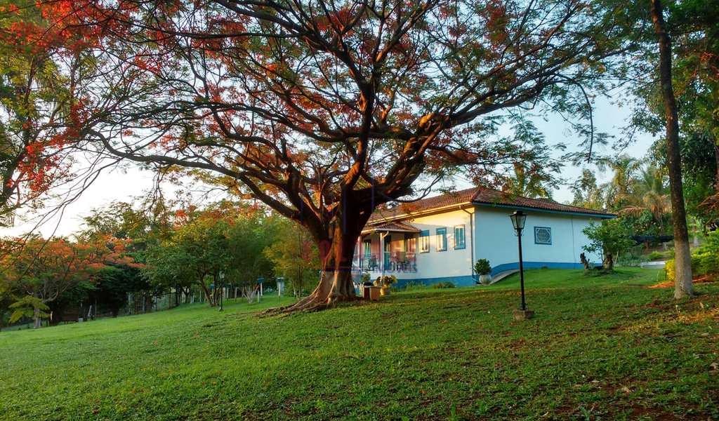 Sítio em Amparo, bairro Chácara Brumado