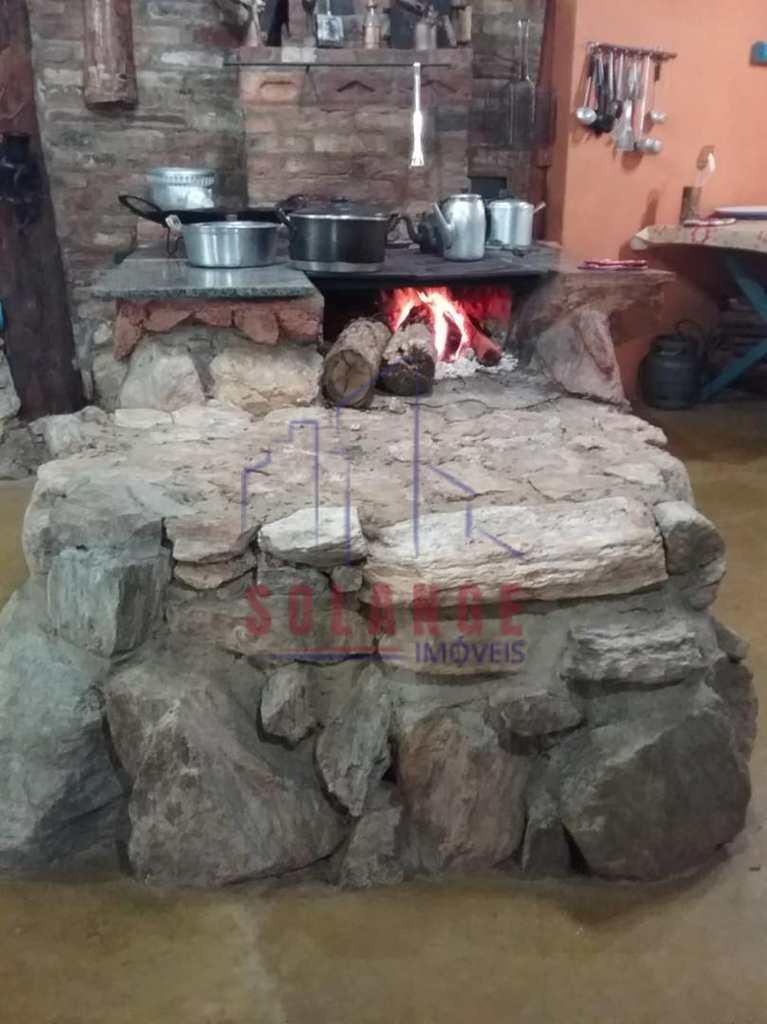 Sítio em Amparo, no bairro Pedra Branca