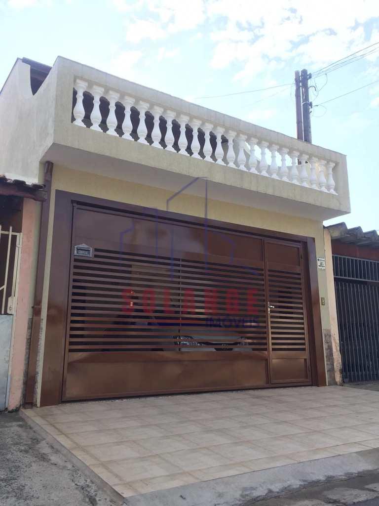 Casa em Amparo, no bairro Jardim São Dimas