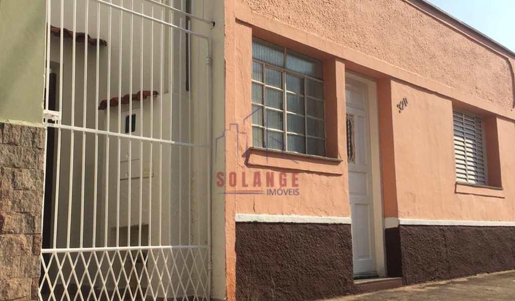Casa em Amparo, bairro São Judas