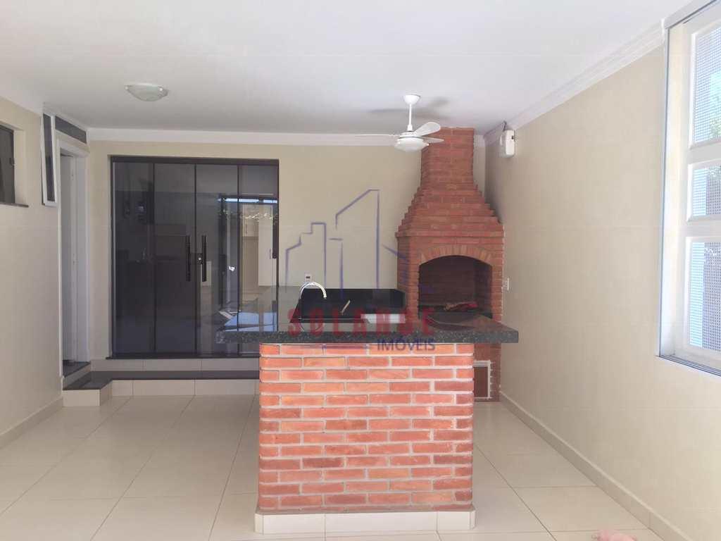 Casa em Amparo, no bairro Parque Modelo