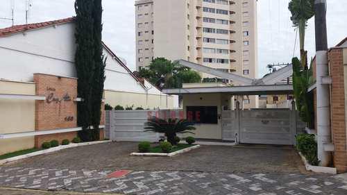 Apartamento, código 2204 em Amparo, bairro Centro