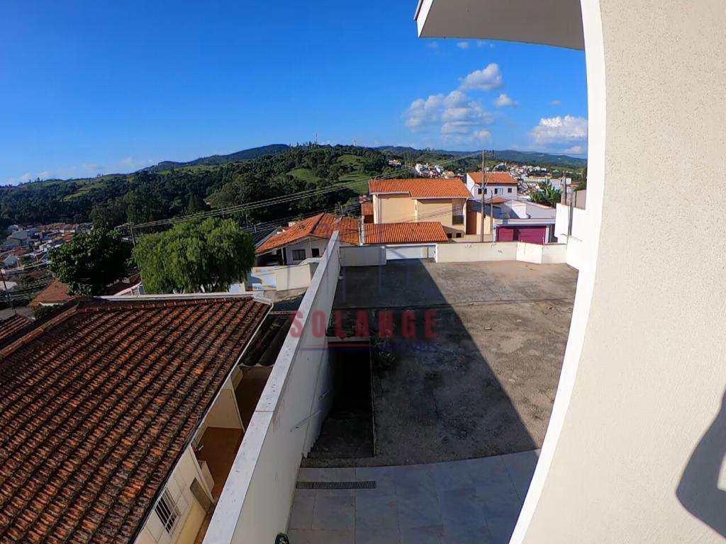 Casa em Amparo, no bairro Jardim São José