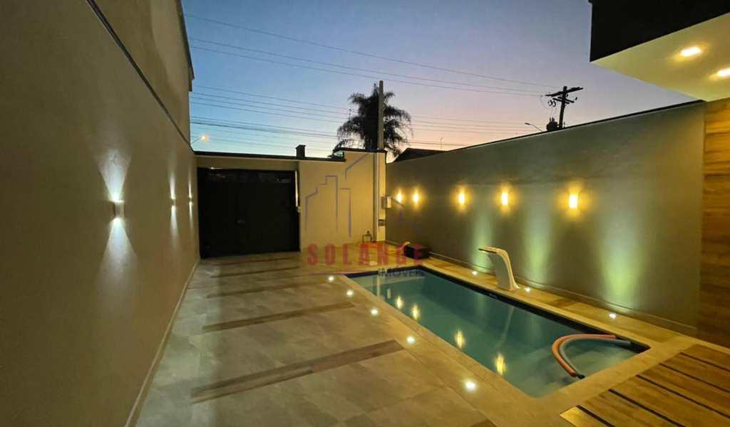 Casa em Amparo, bairro Jardim Silvestre I