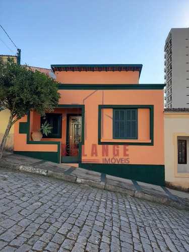 Casa, código 2348 em Amparo, bairro Centro