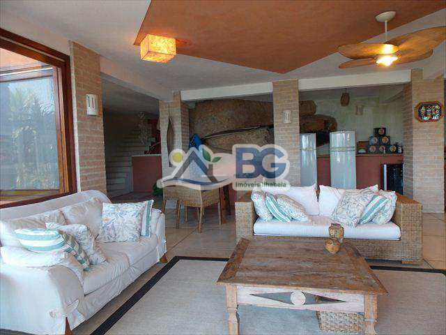 Casa em Ilhabela, bairro Ponta da Sela
