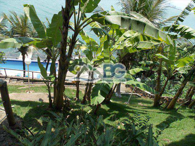 Casa em Ilhabela, no bairro Piúva