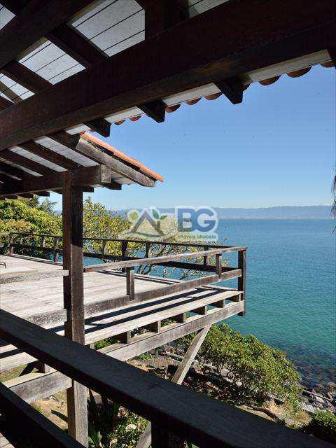 Casa em Ilhabela, bairro Ponta das Canas