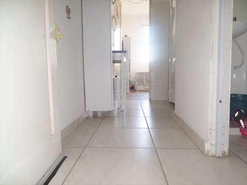 Apartamento, código 2045 em São Vicente, bairro Centro